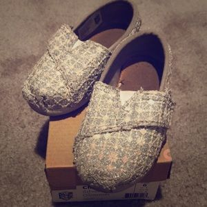 🌺TOMS lace glimmer shoes